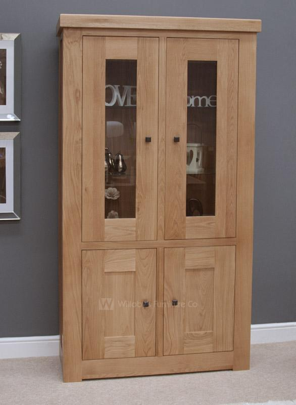 Hippo Oak Display Cabinet with Light