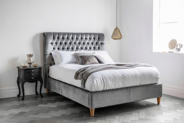 Wing Upholstered Deep Buttoned Bed  Super King (180cm)